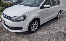 Se pone en venta Volkswagen Vento 2014-4