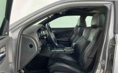 Auto Dodge Charger 2014 de único dueño en buen estado-9