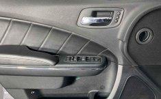 Auto Dodge Charger 2014 de único dueño en buen estado-8