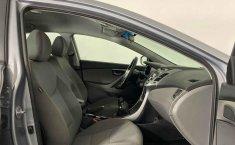 Auto Hyundai Elantra 2016 de único dueño en buen estado-7