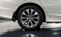 Auto Honda Accord 2015 de único dueño en buen estado-7