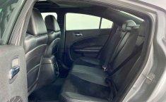Auto Dodge Charger 2014 de único dueño en buen estado-6