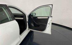Se pone en venta Volkswagen Jetta 2015-6