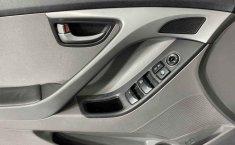 Auto Hyundai Elantra 2016 de único dueño en buen estado-6