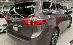 Se vende urgemente Toyota Sienna 2018 en Tlalnepantla-3