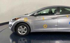 Auto Hyundai Elantra 2016 de único dueño en buen estado-5