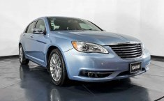 Se pone en venta Chrysler 200 2013-3