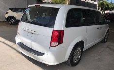 Auto Dodge Grand Caravan 2018 de único dueño en buen estado-1