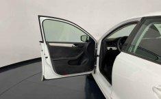 Se pone en venta Volkswagen Jetta 2015-1