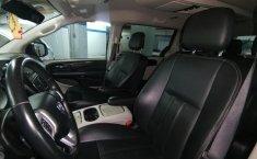 Auto Dodge Grand Caravan 2017 de único dueño en buen estado-16