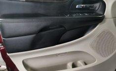 Auto Dodge Grand Caravan 2017 de único dueño en buen estado-12