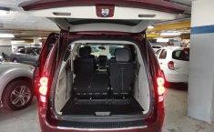 Auto Dodge Grand Caravan 2017 de único dueño en buen estado-5