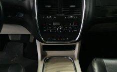 Auto Dodge Grand Caravan 2017 de único dueño en buen estado-4