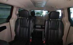 Auto Dodge Grand Caravan 2017 de único dueño en buen estado-3