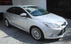 Pongo a la venta cuanto antes posible un Ford Focus en excelente condicción-1