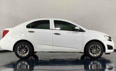 Auto Chevrolet Sonic 2016 de único dueño en buen estado-13