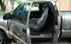 Venta de Preciosa Chevrolet S10 2000 Original-4