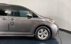 Toyota Sienna 2018 barato en Juárez-37
