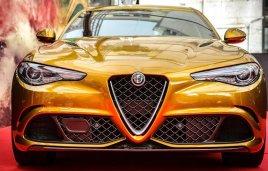 Alfa Romeo presenta una edicion dorada del Giulia