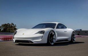 Porsche Taycan: La súper berlina electrónica que revolucionará el mundo en el 2019