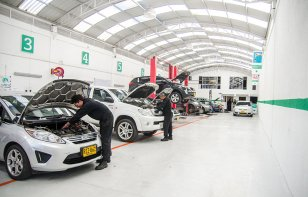 ¿La certificación puede importar al elegir un mecánico?