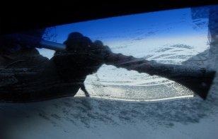 ¿Cómo quitar la nieve o hielo del auto?