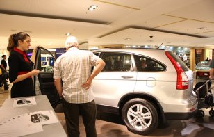 Los mexicanos sufren para comprar autos