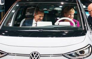 [Auto Show de Frankfurt] Así se vivió la inauguración para el público con Angela Merkel