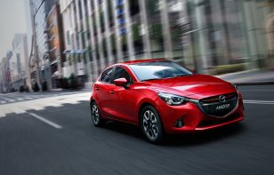 Mazda 2 Hatchback 2019: Ventajas y Desventajas