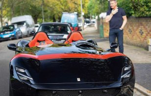 Te mostramos el Ferrari Monza SP2 de Gordon Ramsay