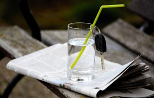 Manejar deshidratado es tan peligroso como manejar ebrio