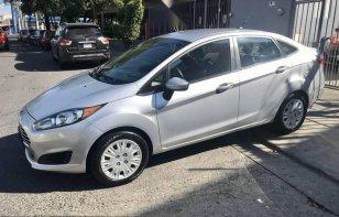 En venta carro Ford Fiesta 2015 en excelente estado