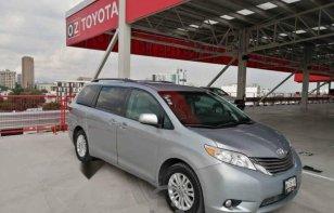 Vendo un Toyota Sienna en exelente estado