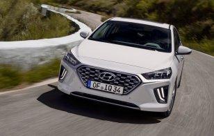 Hyundai Ioniq 2020 Reseña - Cambió su rostro y mejoró su equipo
