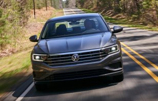Volkswagen Jetta 2020 Reseña - Confiable, seguro y espacioso
