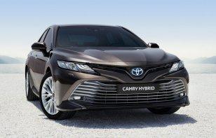 Toyota Camry: Elementos que debes revisar a los 10,000 kilómetros y precios de servicios