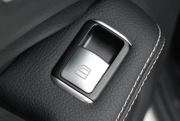 ¿Cómo reconfigurar la función automática de los vidrios eléctricos de tu auto?