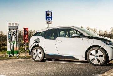 Cómo elegir un buen auto eléctrico usado