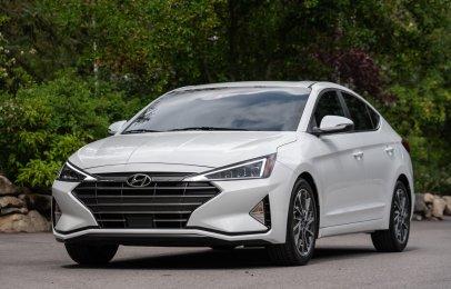 Hyundai Elantra 2020: Ventajas y Desventajas