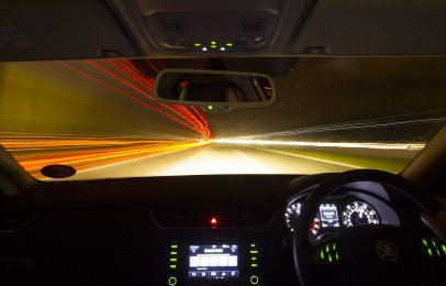 Manejar con lentes de visión nocturna puede ser peligroso