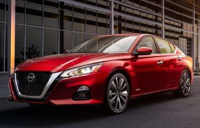 Nissan Altima: Elementos que debes revisar a los 10,000 kilómetros y precios de servicios