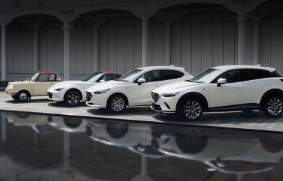 Mazda trae a México 430 autos de edición especial por su centésimo aniversario