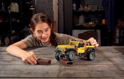 Lego Technic Jeep Wrangler Rubicon, la marca de juguetes va con todo