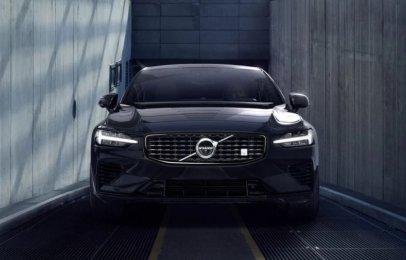 Volvo S60 2021 Reseña - Un sedán escandinavo que es emocionante