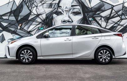 Toyota Prius 2021 Reseña - Un híbrido amplio, modesto y ahorrador