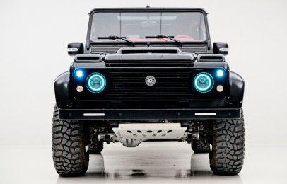 Ares Design revive una Land Rover Defender clásica con fibra de carbono