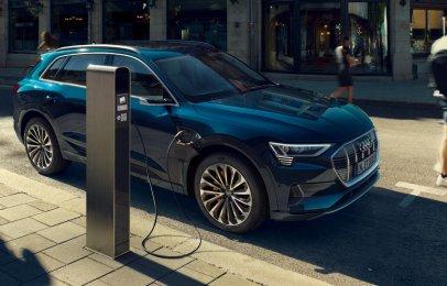 Audi e-Tron 2021 Reseña - Futurismo y desempeño en un solo modelo