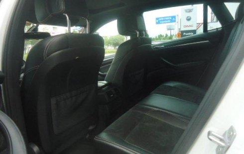 Carro BMW X6 2014 de único propietario en buen estado