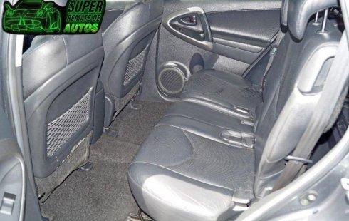 Vendo un Toyota RAV4 impecable