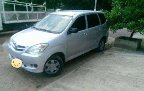 Urge!! Un excelente Toyota Avanza 2011 Manual vendido a un precio increíblemente barato en El Arenal